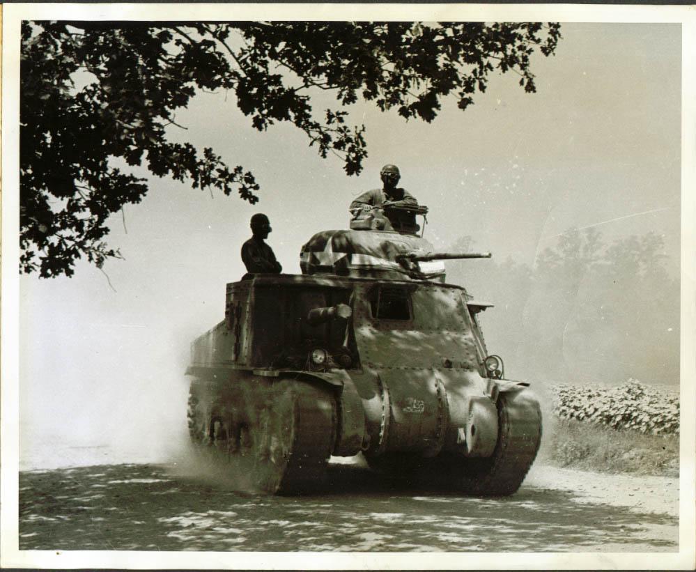 M3 Lee tank in Carolina Maneuvers 1941.