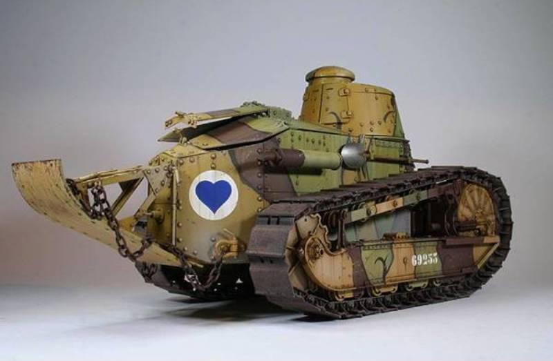 tko-16001-french-light-tank-renaulr-ft-wwi (2) - Copy.jpg