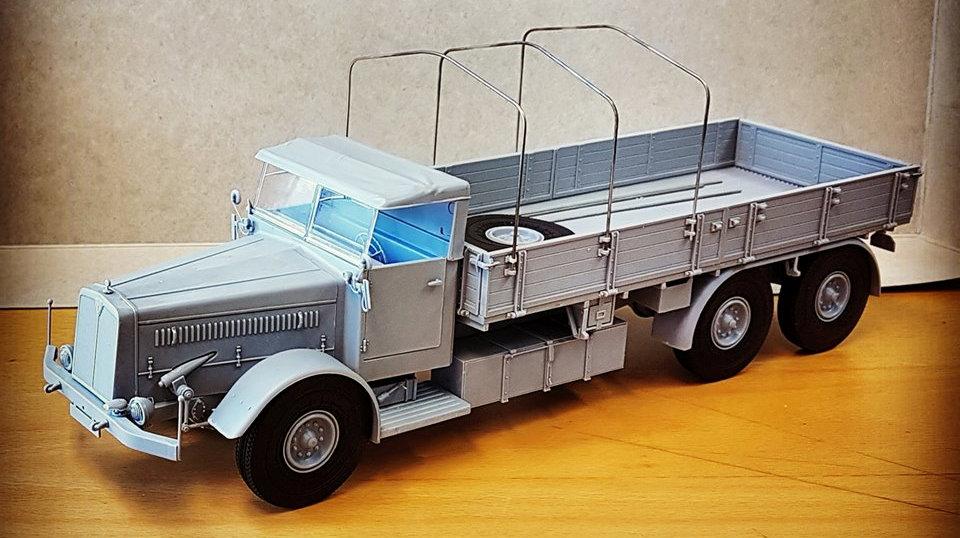 Das Werks Faun 900 trailer build (6).jpg