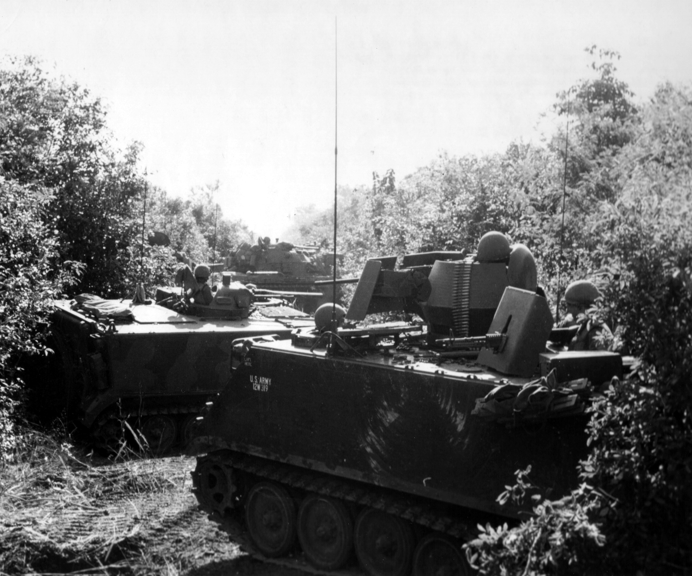 Vehicles of the 3/11 ACR assume a herringbone formation during Operation Cedar Falls. Pictured: M113A1 ACAV, M132 Armored Flamethrower & M48A2 Patton tank.