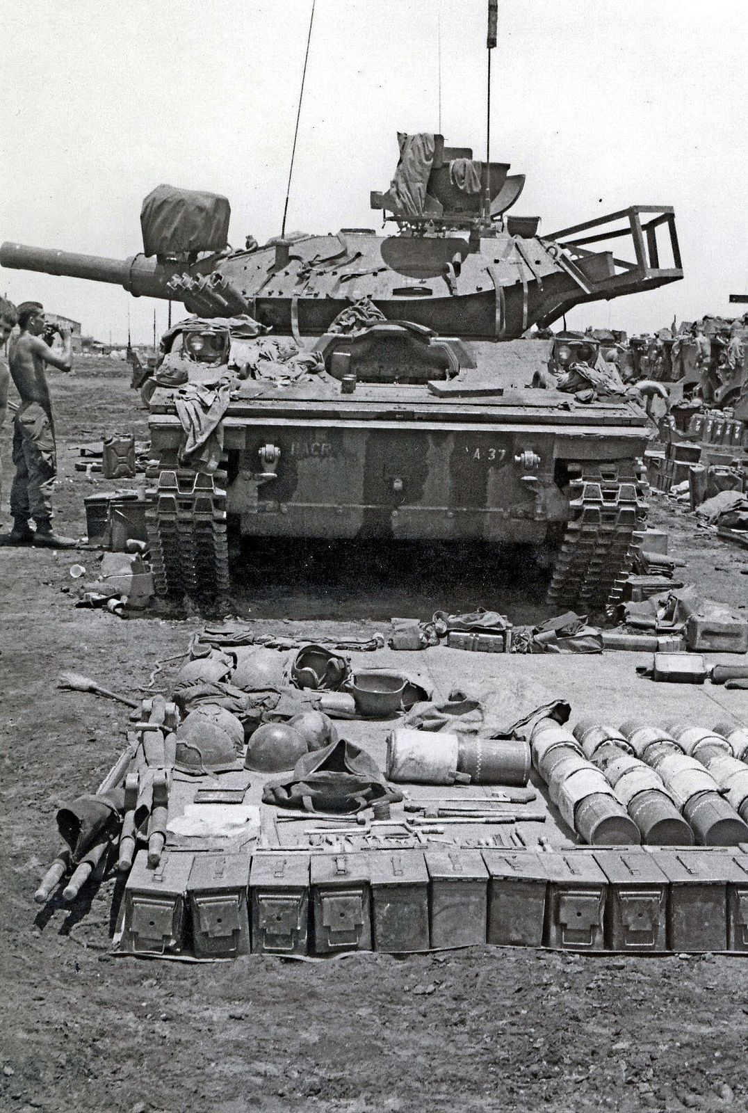 MAINTENANCE & BASIC ISSUE ITEM (BII) LAYOUT OF M551 SHERIDAN, BUMPER # A-37, 11TH ACR. NOTE TURRET BASKET MODIFICATION