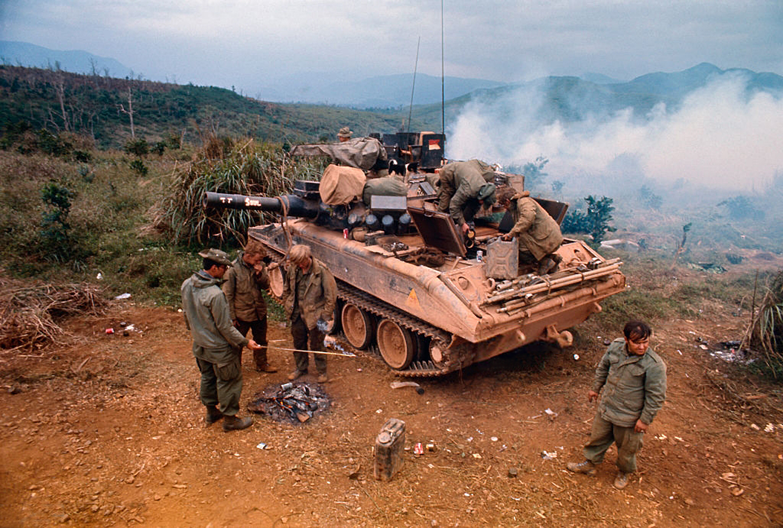 M551 Sheridan near Khe Sahn during Operation Dewey Canyon II/Lam Son 719. 7 Feb 1971.