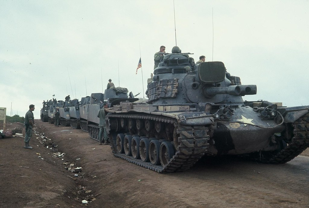 4TH INF DIV, M48A3 & M113A1 ACAVS. CAMP ENARI, 1968.