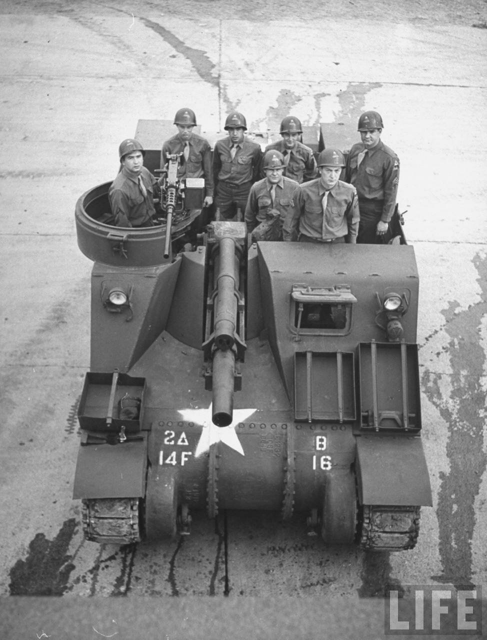 14th Field Artillery M7 Priest crew, 1946.