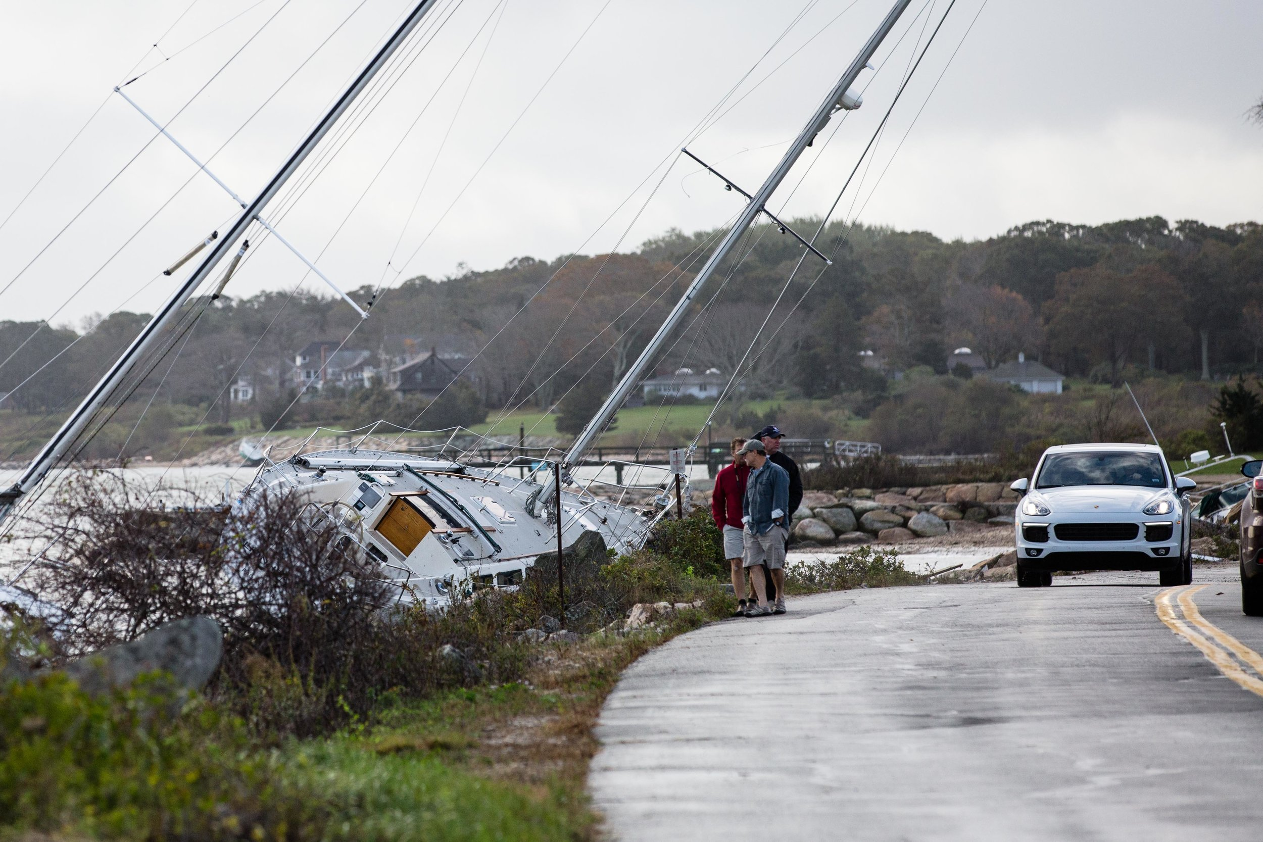 Masts can be seen hanging over Smithneck Road.