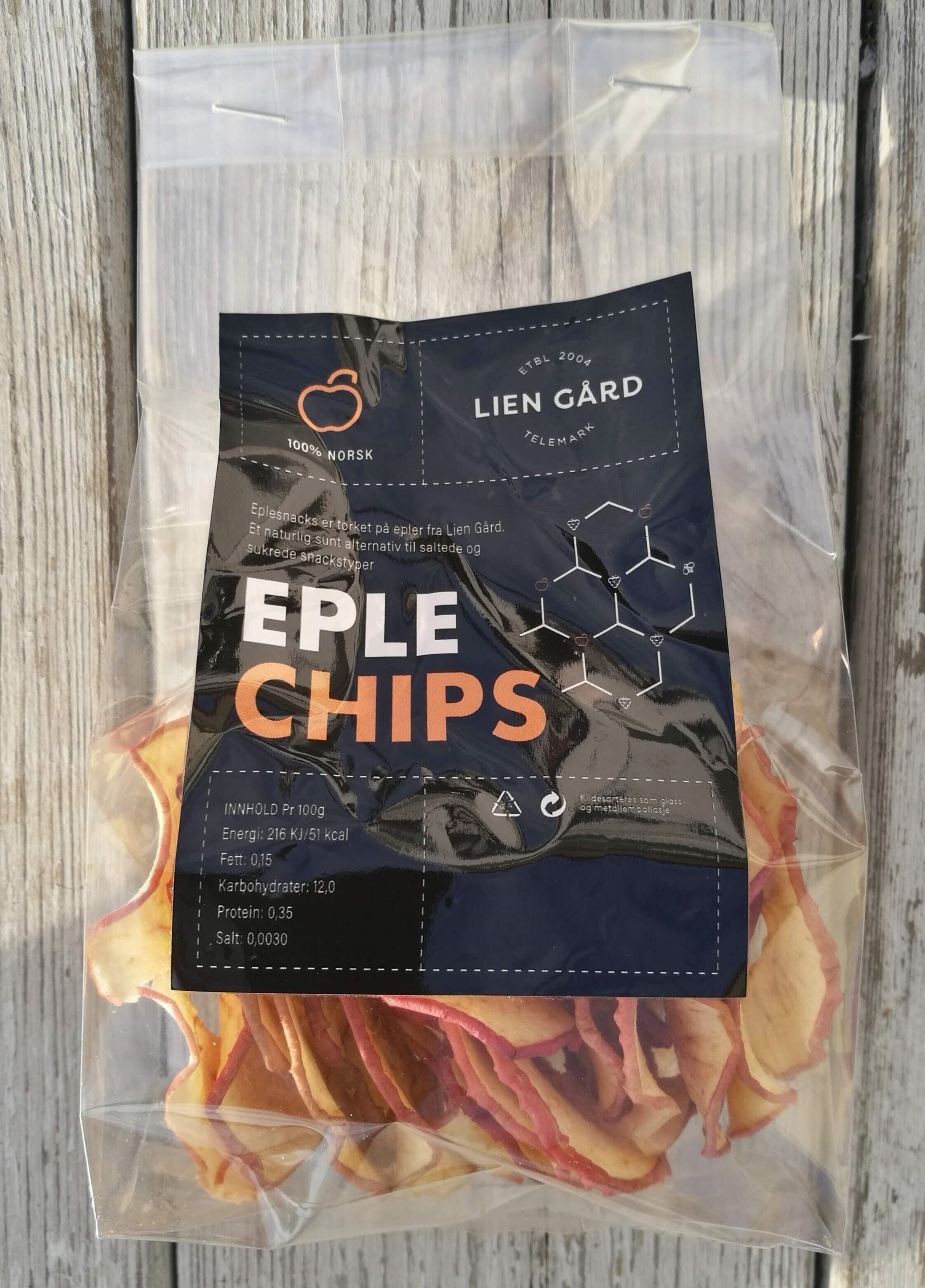 EPLE CHIPS - Tørket eple er et eple snacks som er tørket på epler fra gården. Et naturlig sunt alternativ til saltede og sukrede snackstyper. Netto innhold 30g ferdig tørket vare