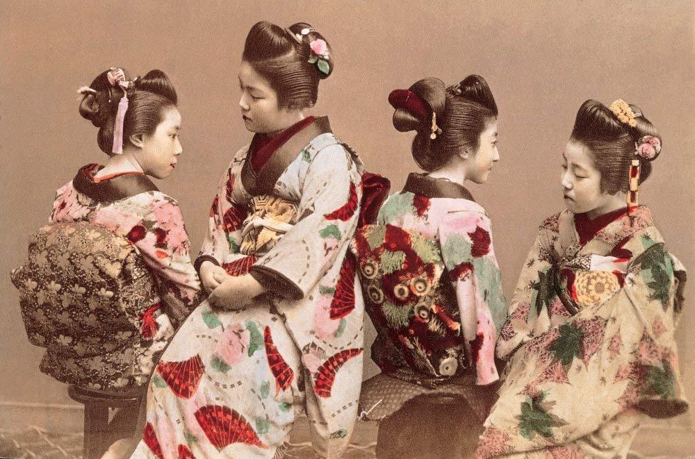 Japanske kvinner i tradisjonelle kostymer  av Felice Beato, ca 1865