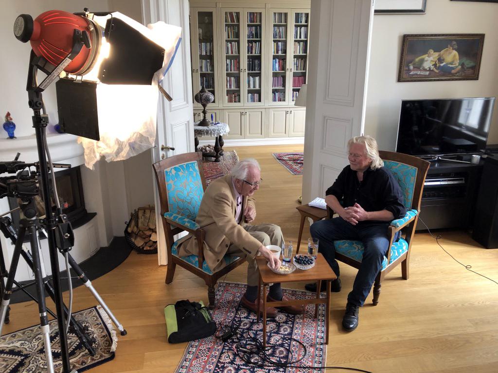 Fra tv-opptak med fredsprofessor Johan Galtung. Foto: Åse-Marie Faldalen