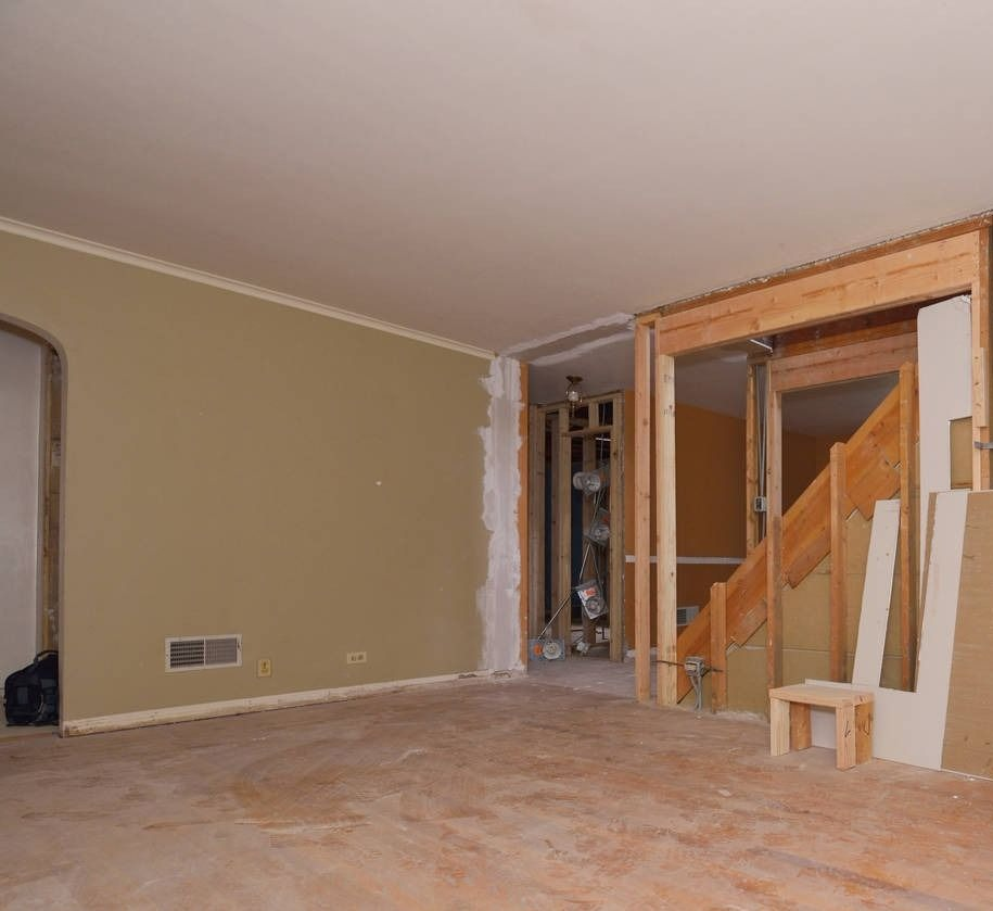 Before Picture - Rental Turn in a Park Forest, IL home