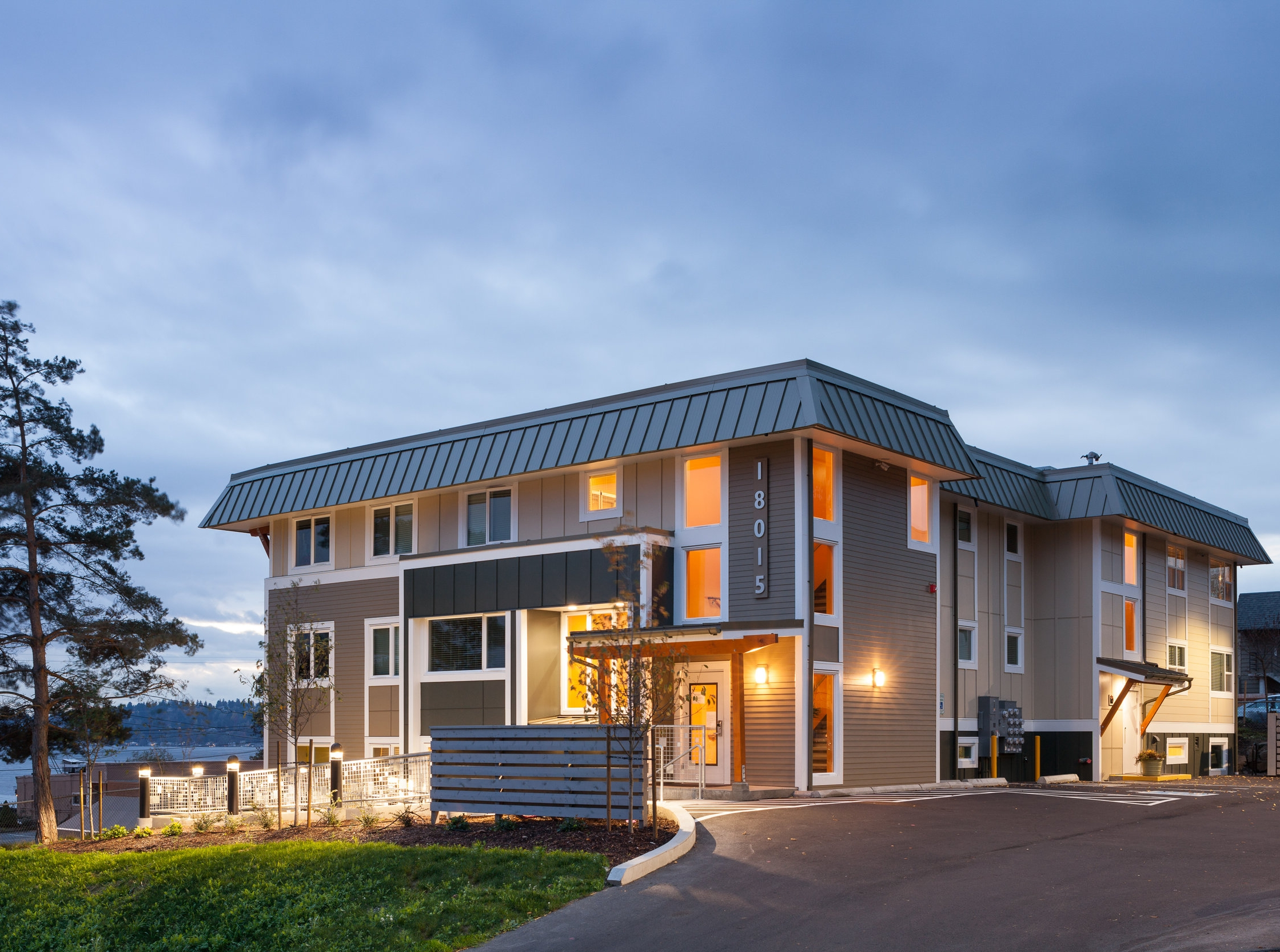 - Client: HopelinkLocation: Kenmore, WashingtonCompletion: 2015Project Size: (11) Units, 11,000 SF