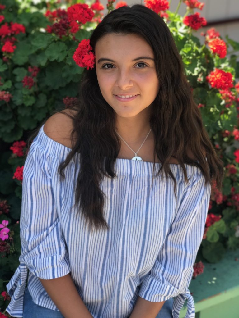 Karina Andrade   High School:  Summit Public Schools: Rainier   Leadership Project:  Class of 2019 Legacy Project   Dream Job:  Gynecologist and obstetrician   Fun Fact:  I am president for the class of 2019 at my school, and my dream school since I was 10 years old has always been Stanford University.