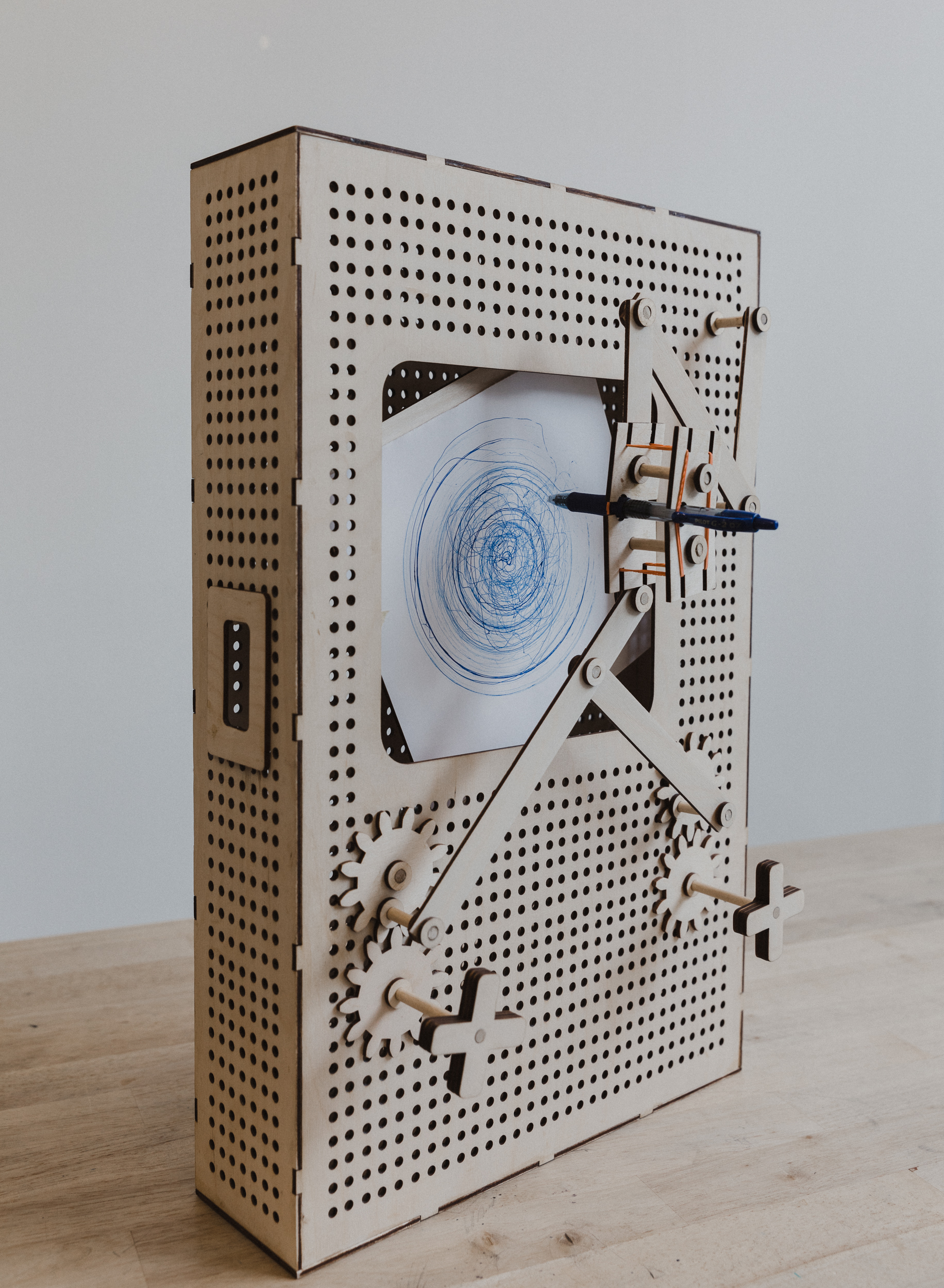 DRAWING MACHINE: THE GAME SKETCH