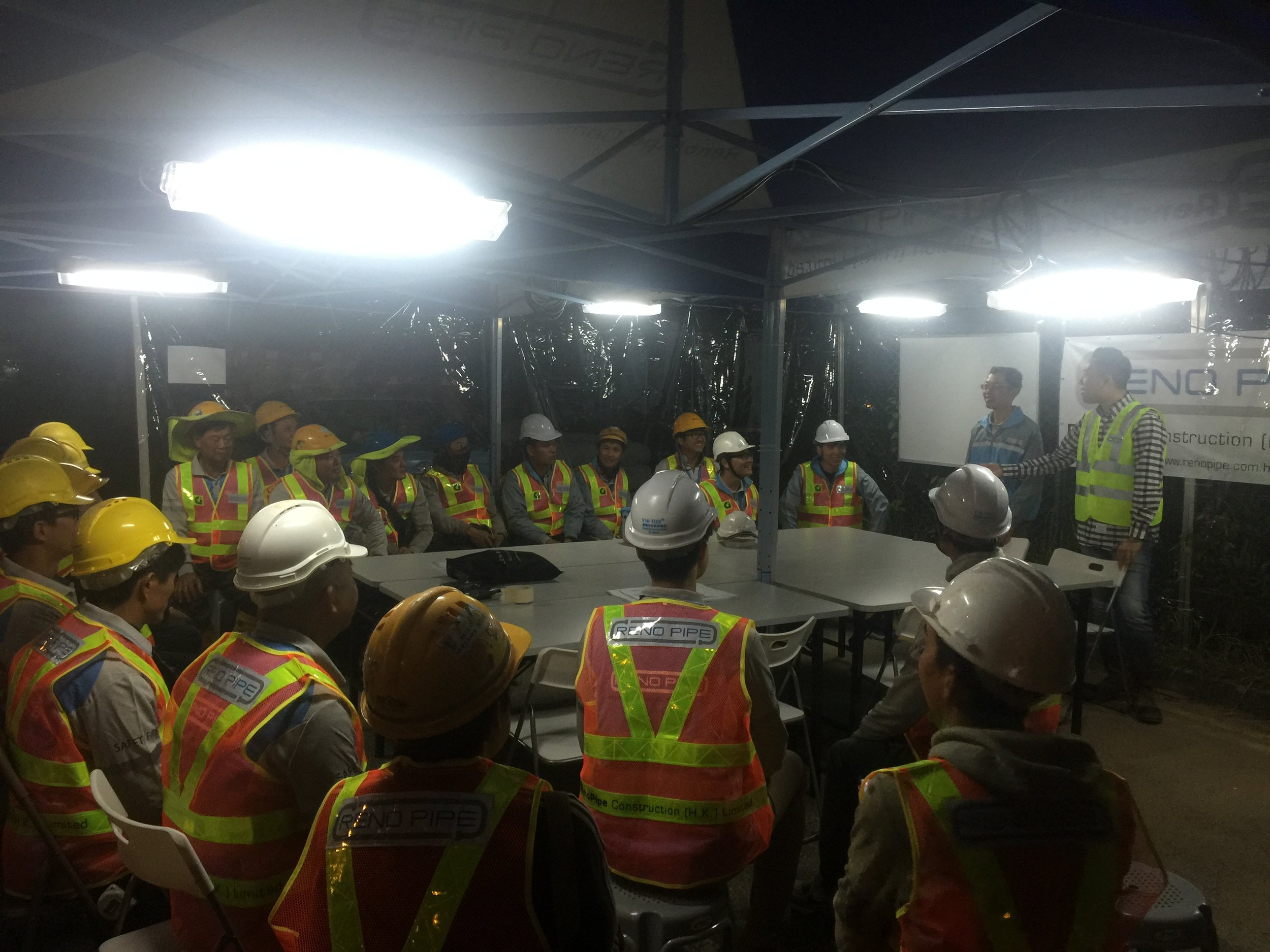 Briefing to the workers before the DN1000 Connection Works