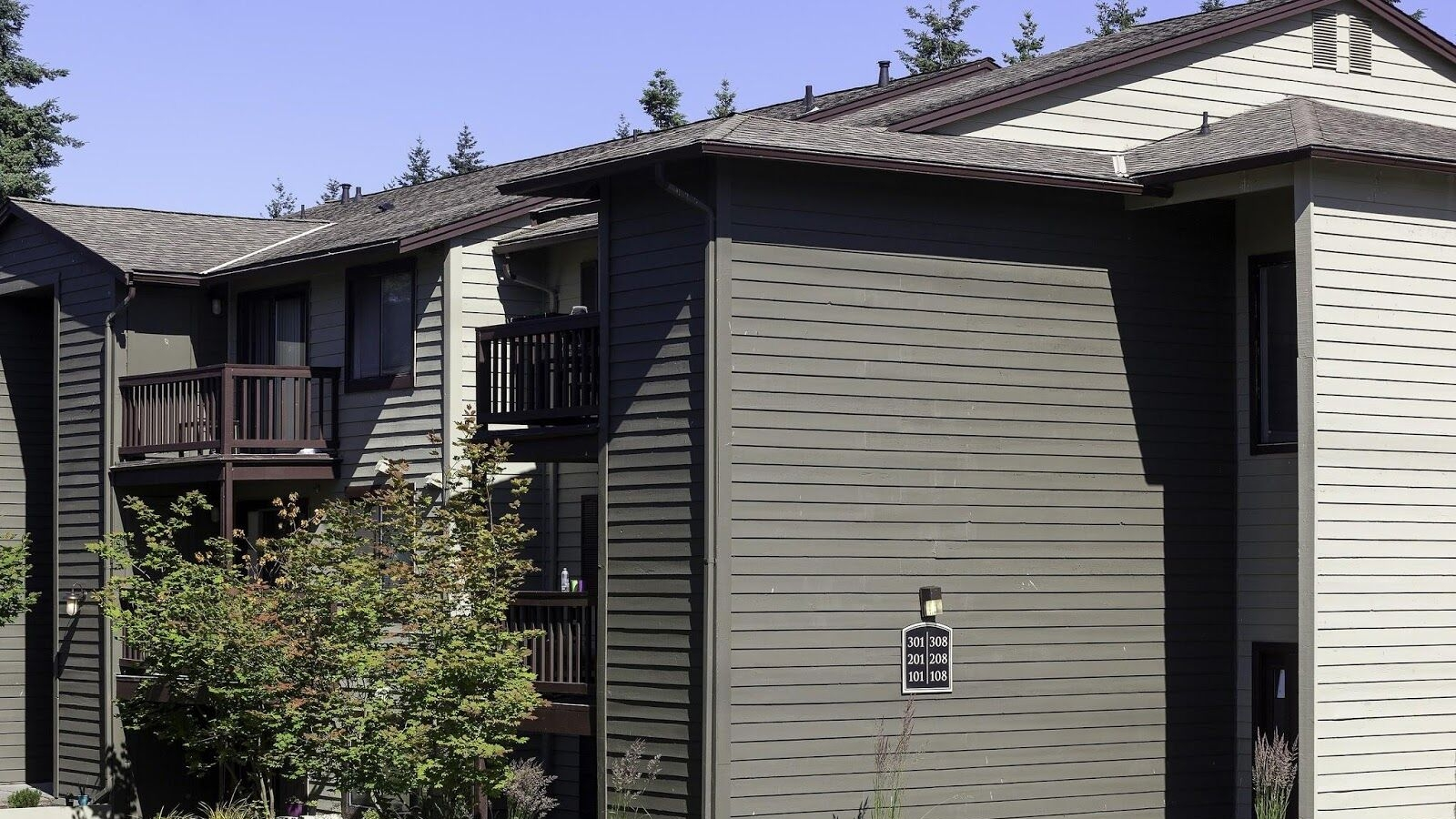 CrownPointeApartments2.jpeg
