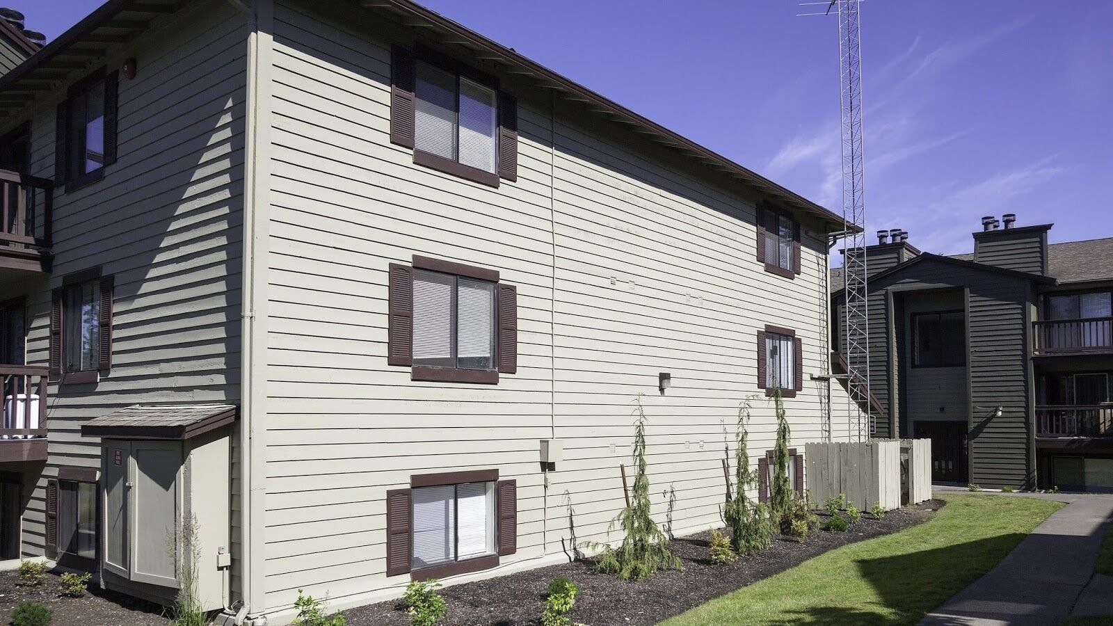 CrownPointeApartments3.jpeg