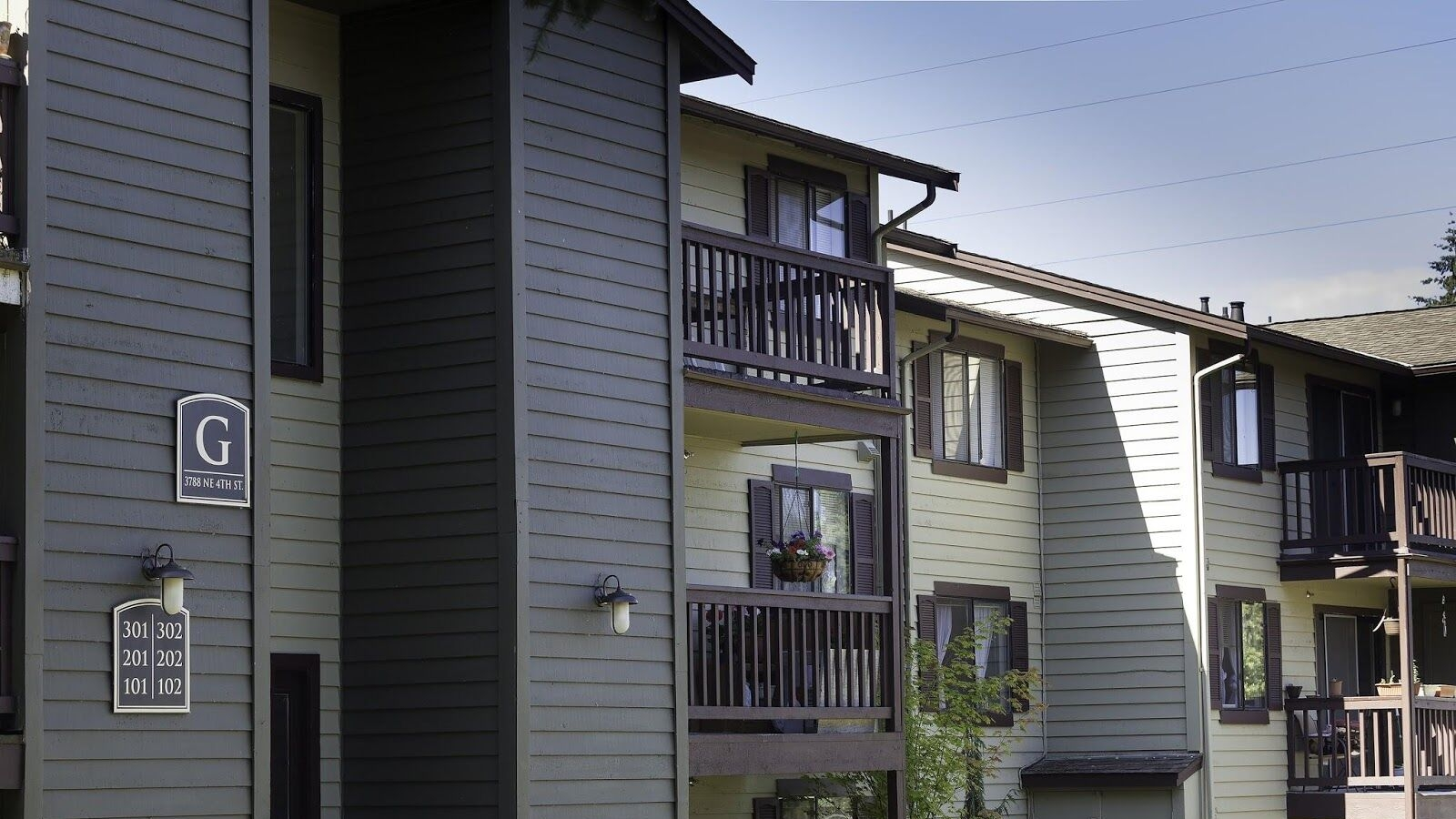 CrownPointeApartments4.jpeg