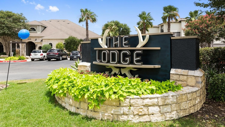 Lodge1.jpeg