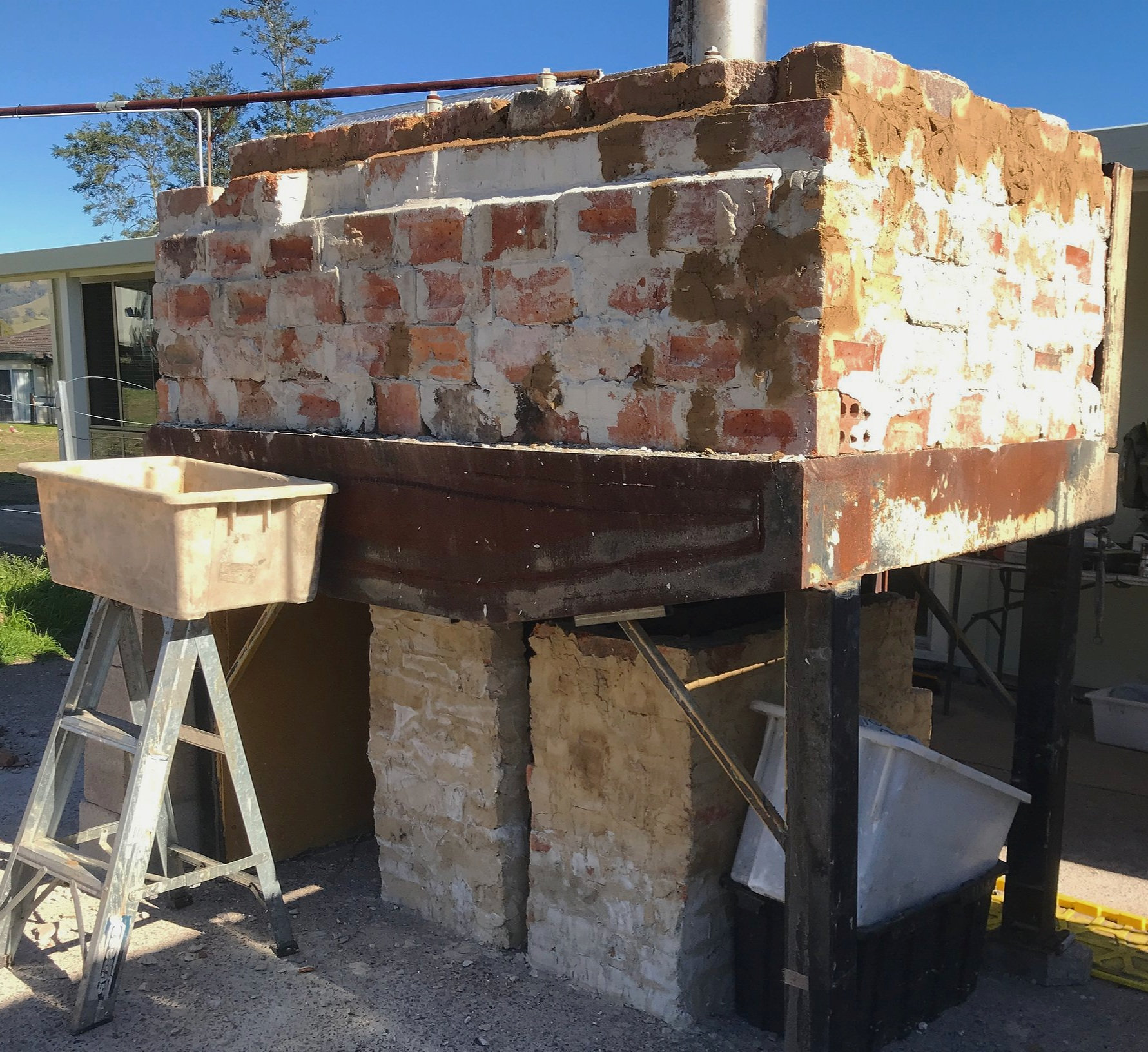 Luna 2 showing inner layer of brickwork. This will be wrapped with besser brick.