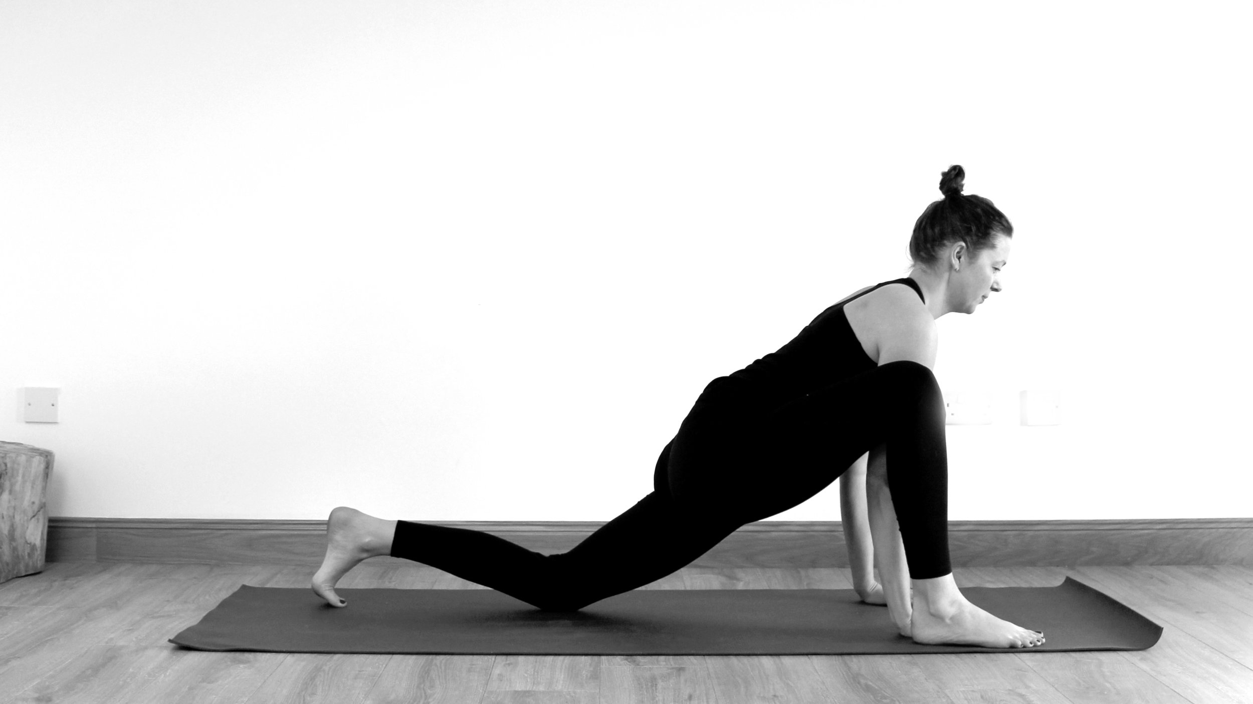 A Yin Yoga Sequence For The Hips Part 1 Strength Soul Yoga Treatments Ayurveda