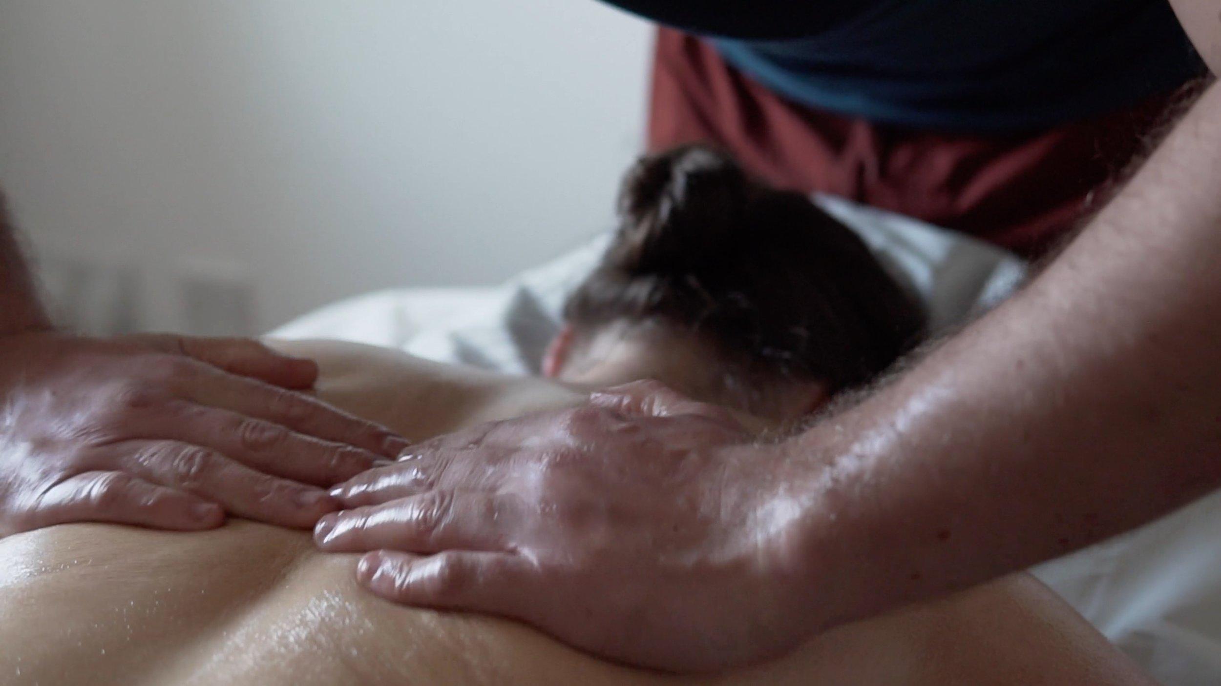Ayurveda - Massage 3.jpg