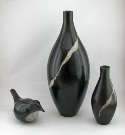 black and white pots s.jpg