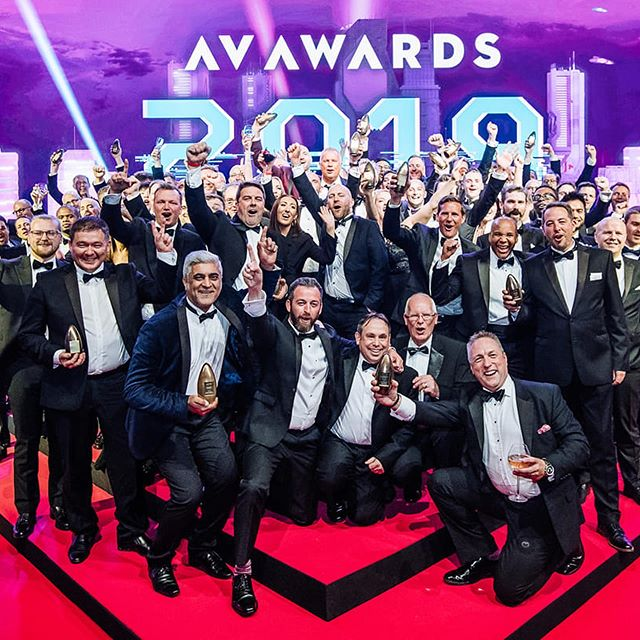 The Fitting Room wins the Retail project of the year award at the AV Awards, considered Oscars of the AV industry where innovation and creativity in various categories are highlighted. We stand together behind the project with our partner @vertiseitab, which specializes in digital transformation of physical retail.