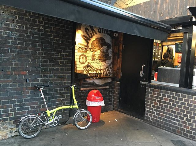 Being a hipster in Hackney.... #bikeforeverysituation @001sport @black_sheep_coffee