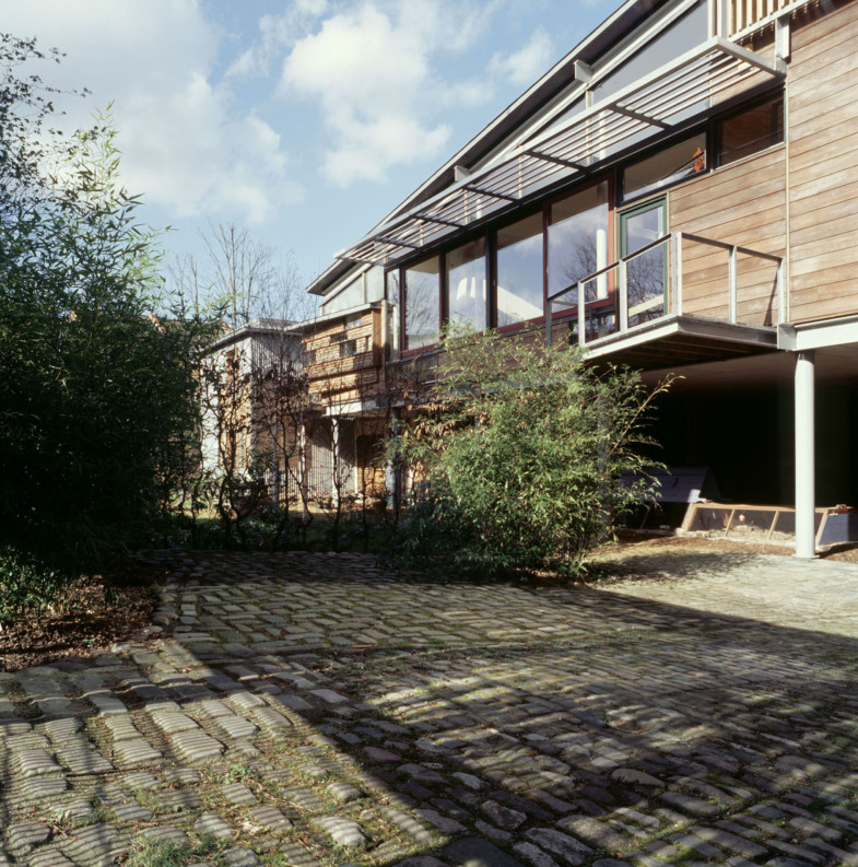 Sarah-Wigglesworth-Architects_Stock-Orchard-Street_court-view_1800-785x793.jpg