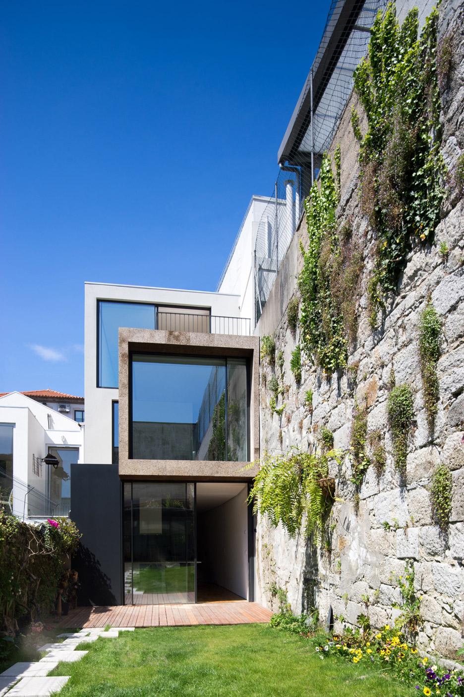 Casa Bonjardim was designed by Porto studio ATKA Arquitectos