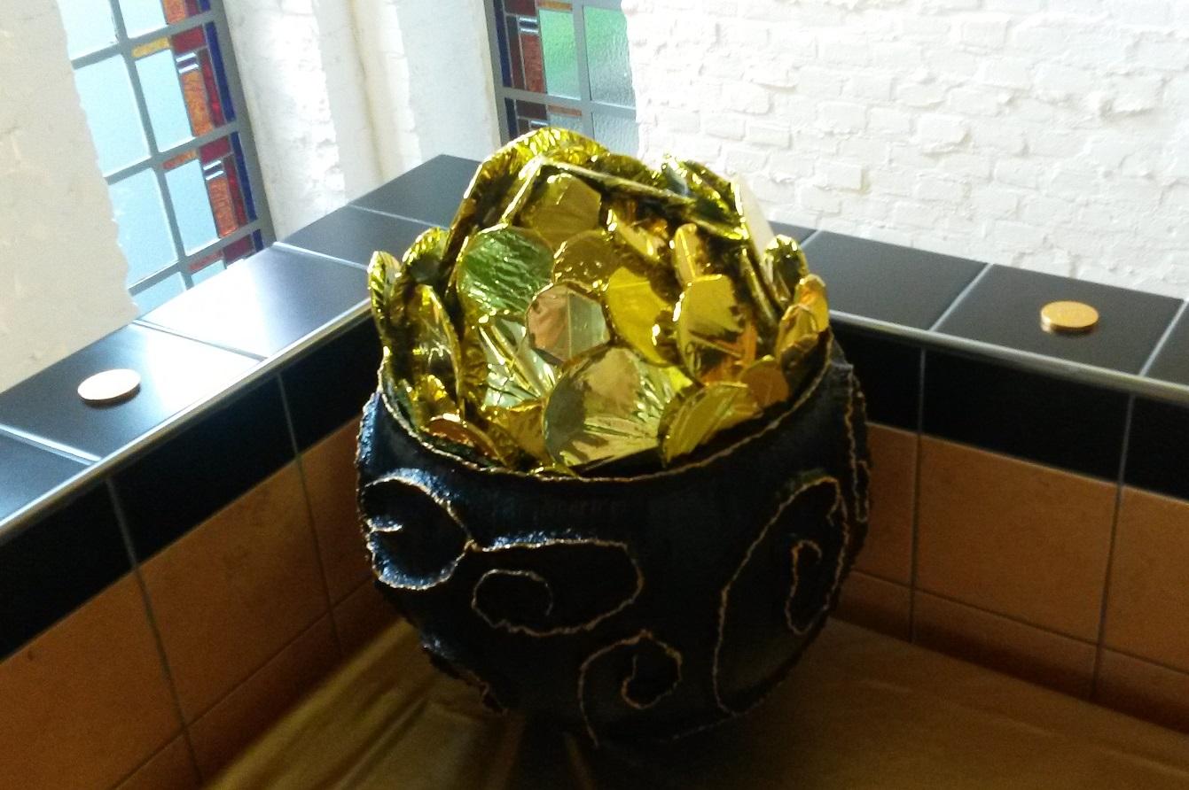 3 Pot met goud.jpg