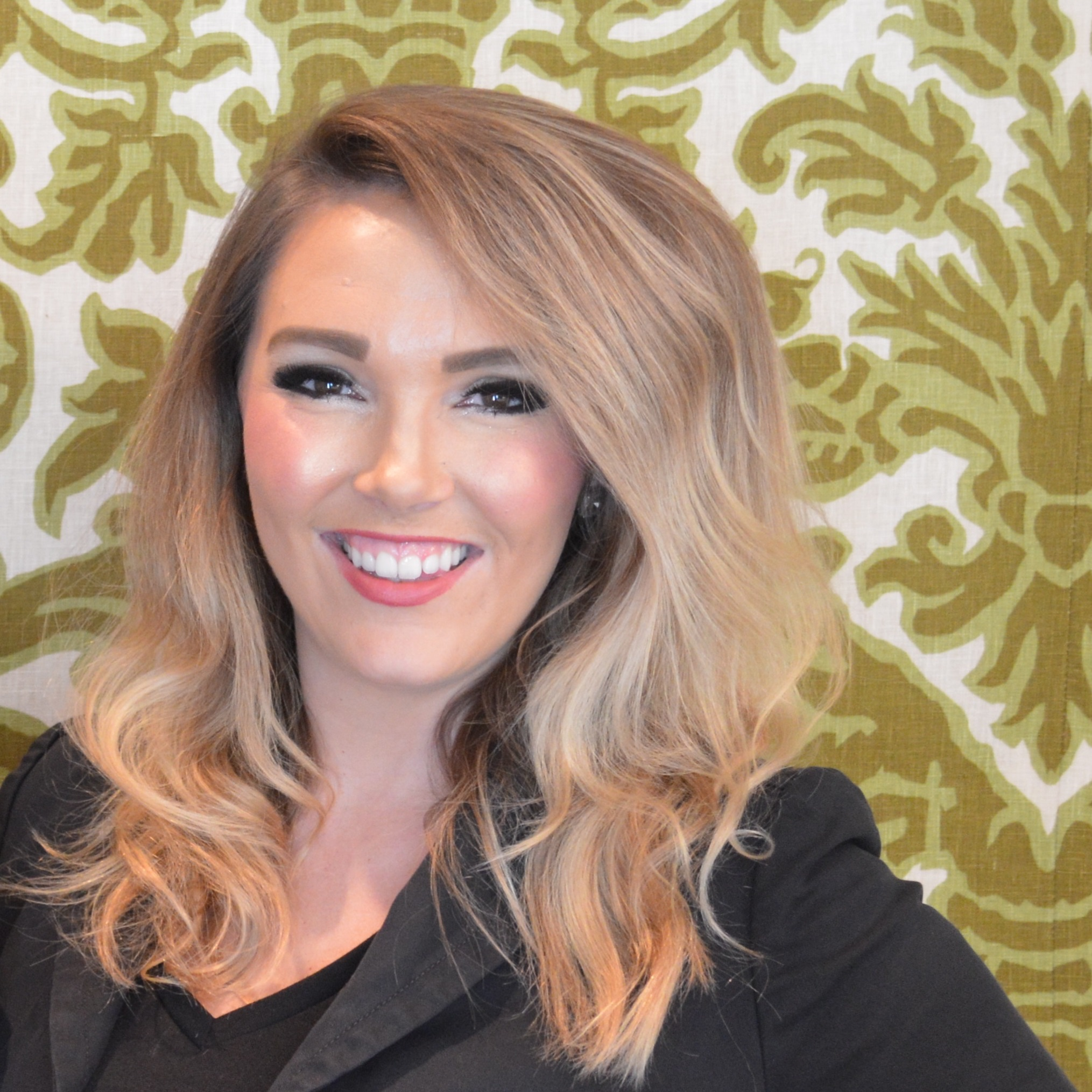 Kaley Hanna, Rosewood Mansion   Jacqueline is the queen of calm, cool, and collected. No matter what situation she is faced with, she handles it efficiently and always gets her clients' vision. She is a true professional. Jacqueline understands every detail of event planning, and does a wonderful job communicating with her clients.