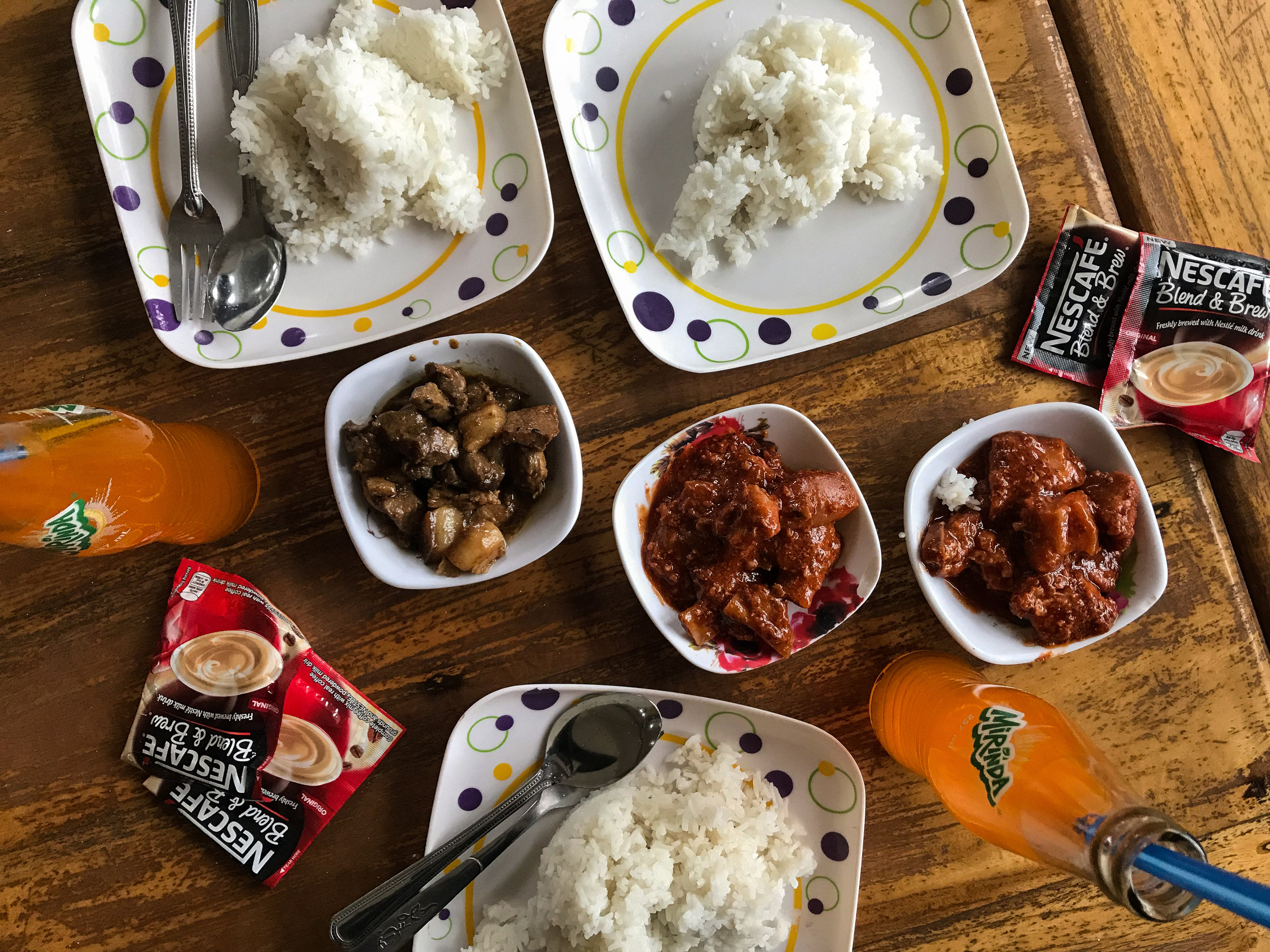 Lunch Time - We ordered Kaldareta, Adobo, Mirinda (tunay na Pinoy orange soda), and some coffee. In fairness, masarap naman yung pagkain. Felt home-y.