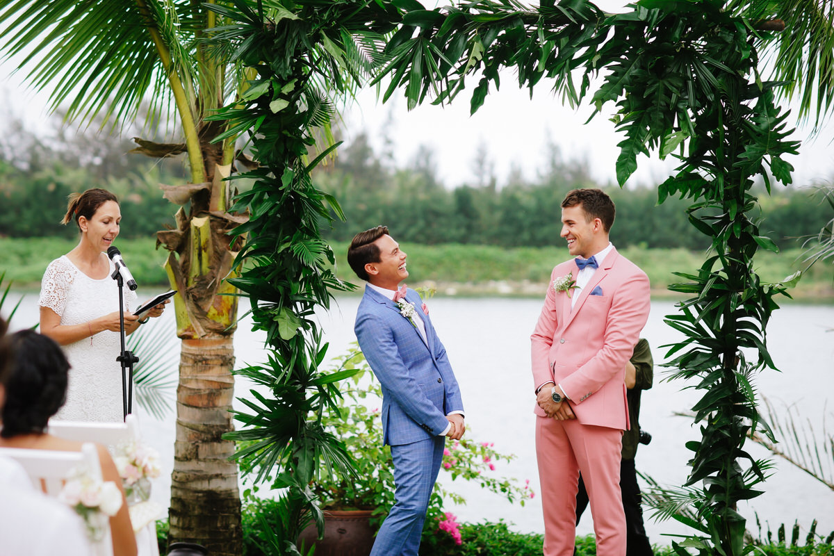 Vietnam-Samesex-Wedding-10.jpg