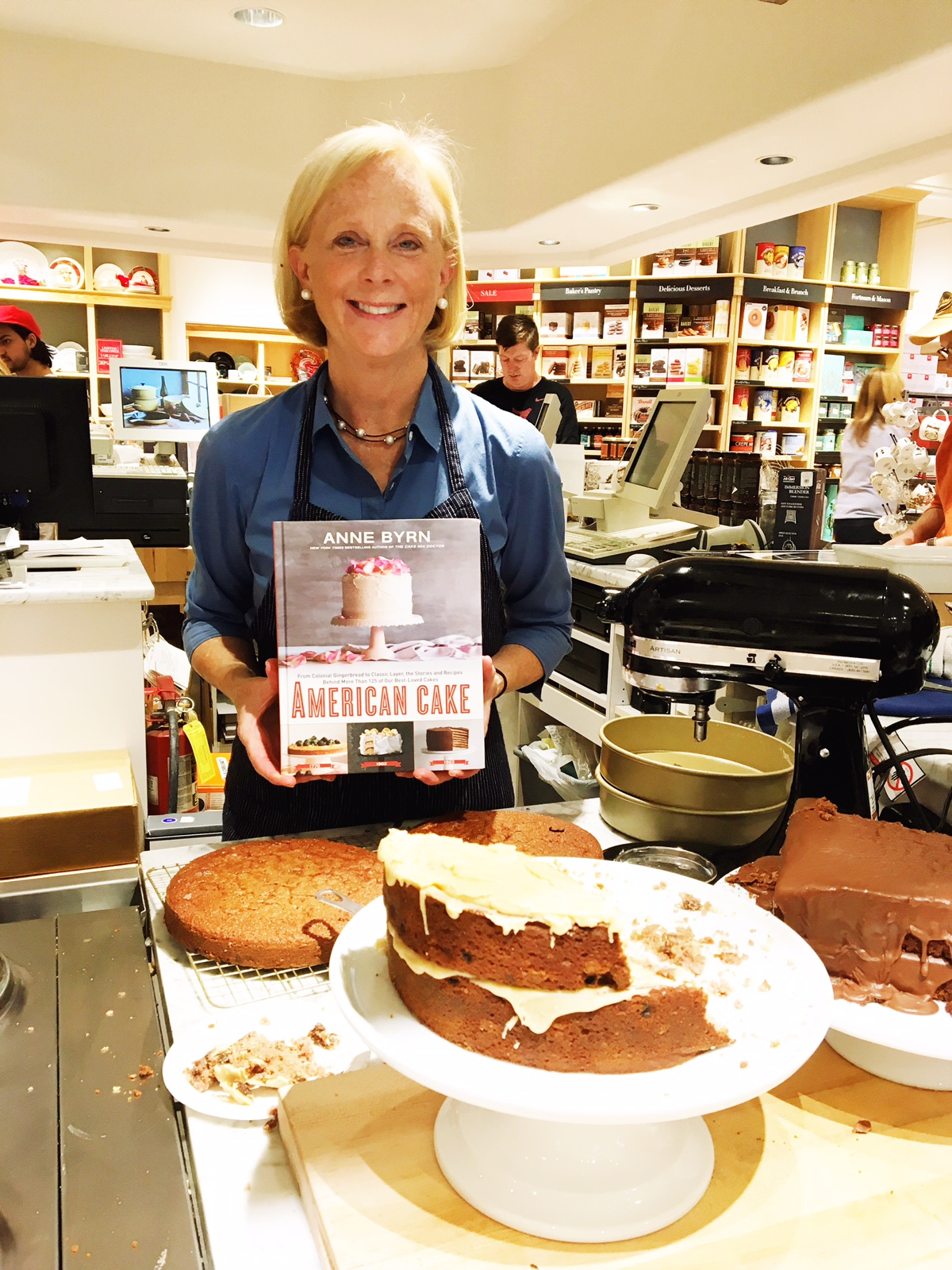 Baking cakes and signing cookbooks at Williams-Sonoma. Fall 2016