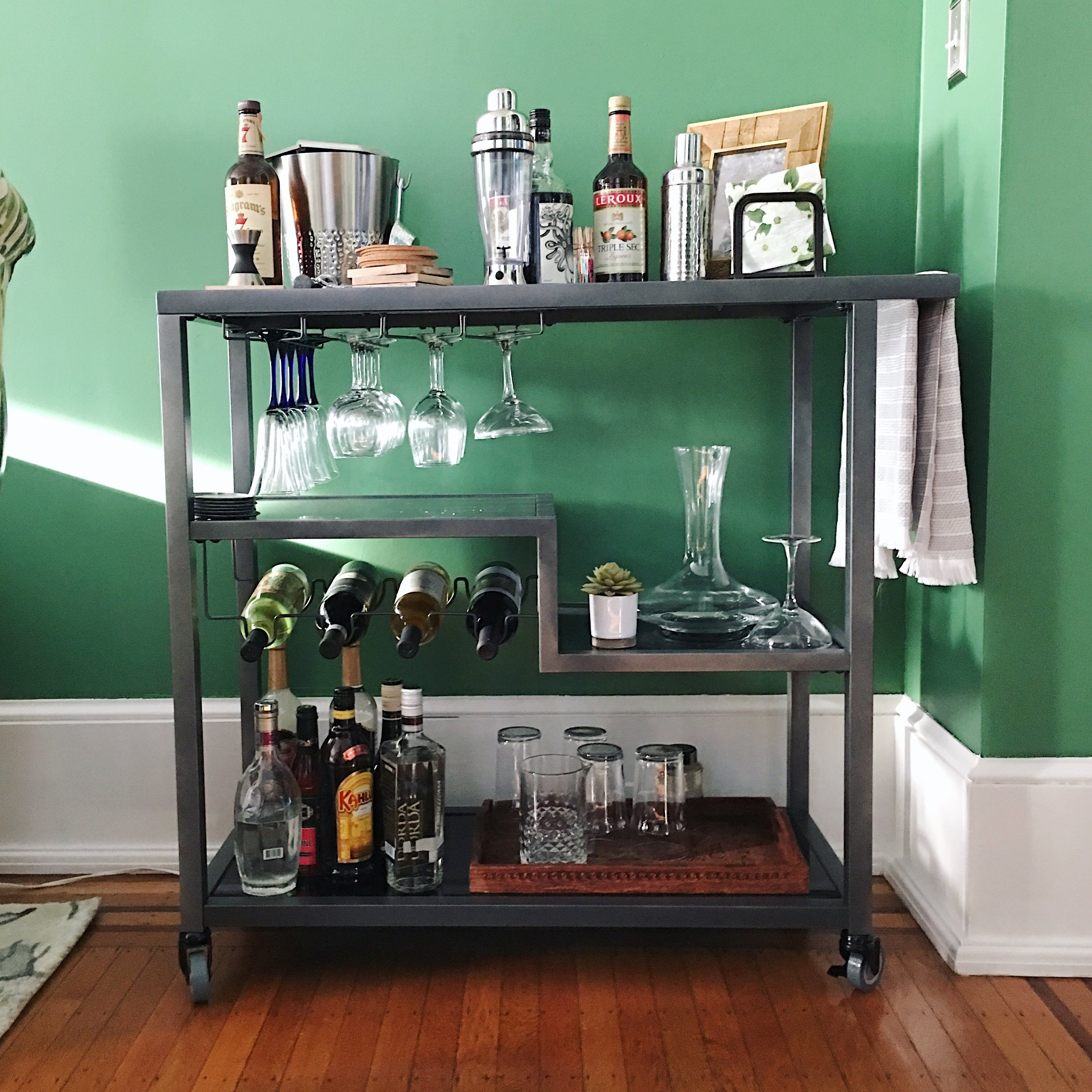 Large barcart, perfect for entertaining