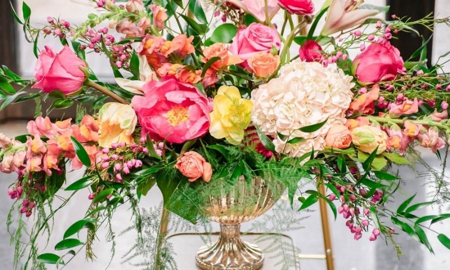 Wedding Centerpiece Floral Design.jpg