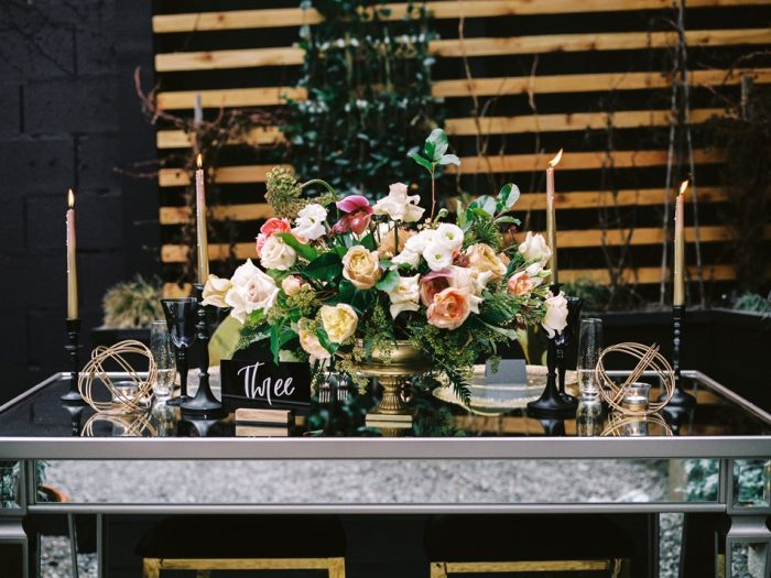 E-Modern-Art-Deco-Wedding-Table-700x525.jpg
