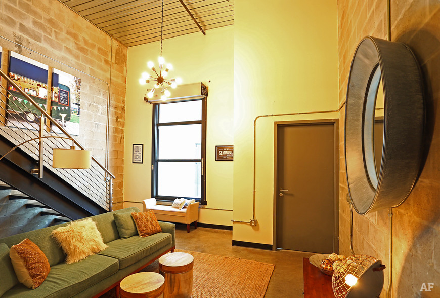 warehouse-lofts-tampa-fl-living-room-2.jpg