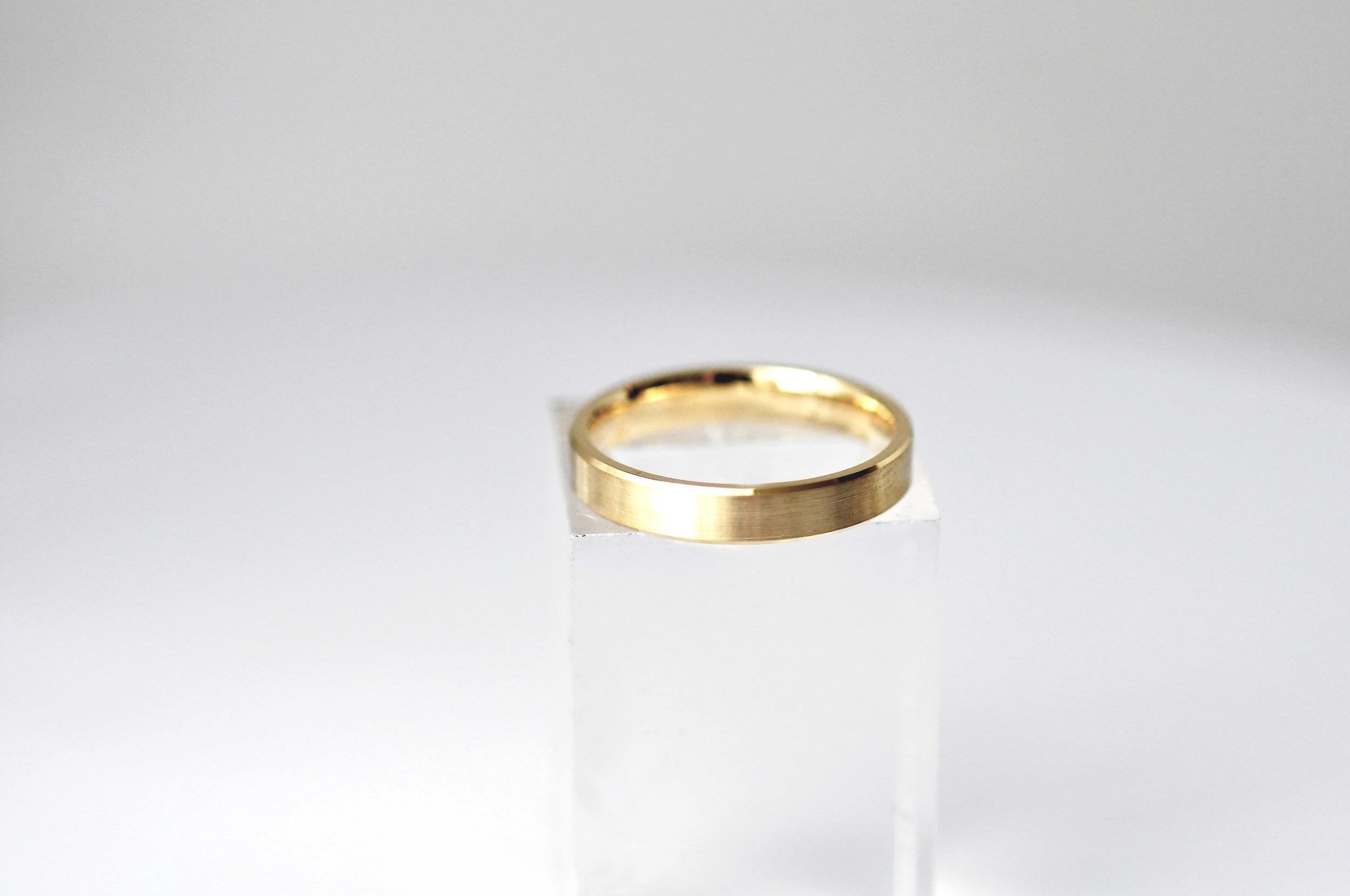 Custom Gold Men's Wedding Ring Toronto.jpg