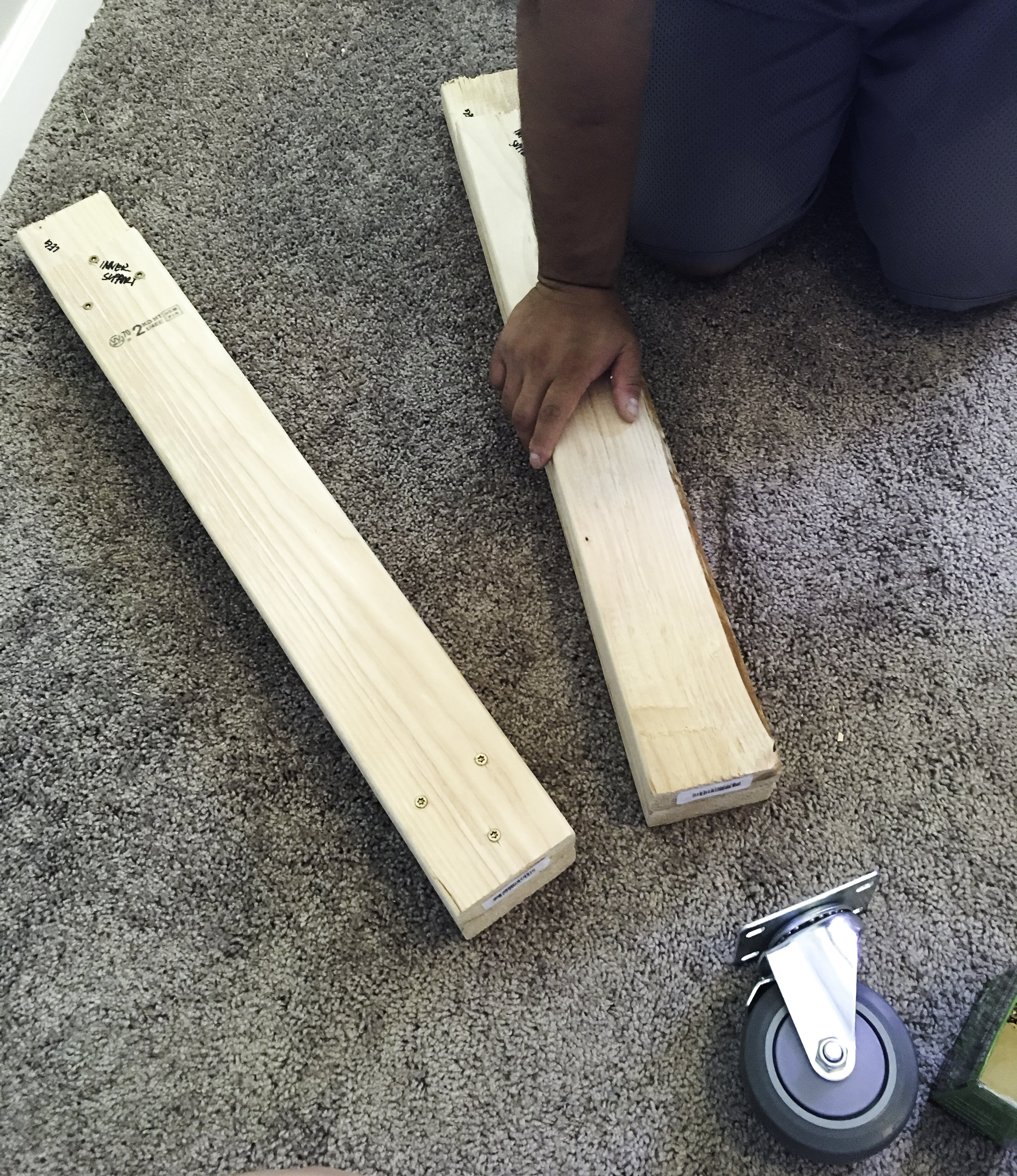 We screwed the table legs and leg supports together with 3 screws at each side.