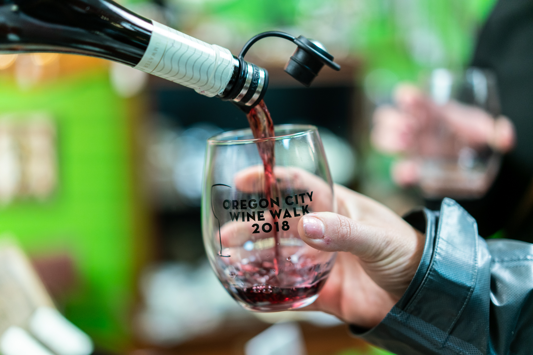 110818-Downtown-Oregon-City-Wine-Walkp-2018-Final-Select-LoRes-44.jpg