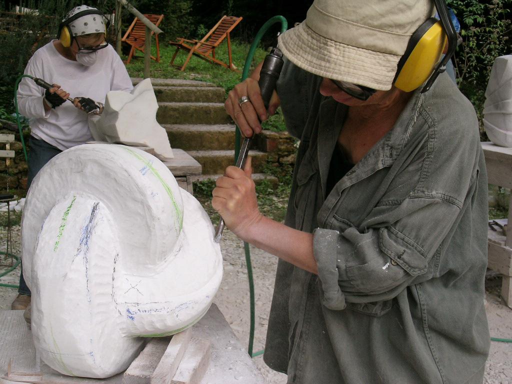 marble-workshop-pietrasanta-italy5.jpg