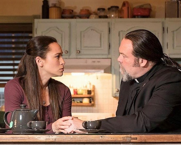 Sharon Taylor and Vincent D'Onofrio in  Ghost Wars .