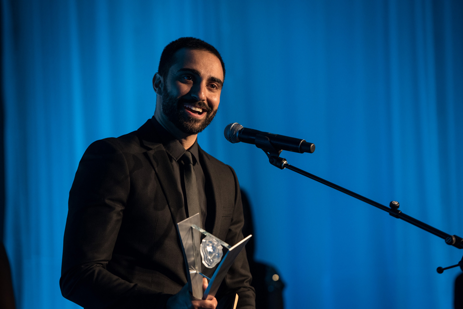 Lee Majdoub accepts his Leo Award for Best Guest Performance by a Male in a Dramatic Series for his role on  Dirk Gently's Holistic Detective Agency . Photo by Wendy D Photography