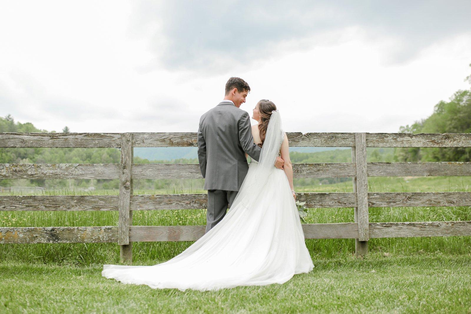 wedding_photographer_Missouri_Destination_elope_intimate_Saint_James_MO_Missouri_KansasCity_Jeff_City_Jefferson_Columbia_Engagement_Photos_Pictures_Session_Best_Videographer_0196.jpg