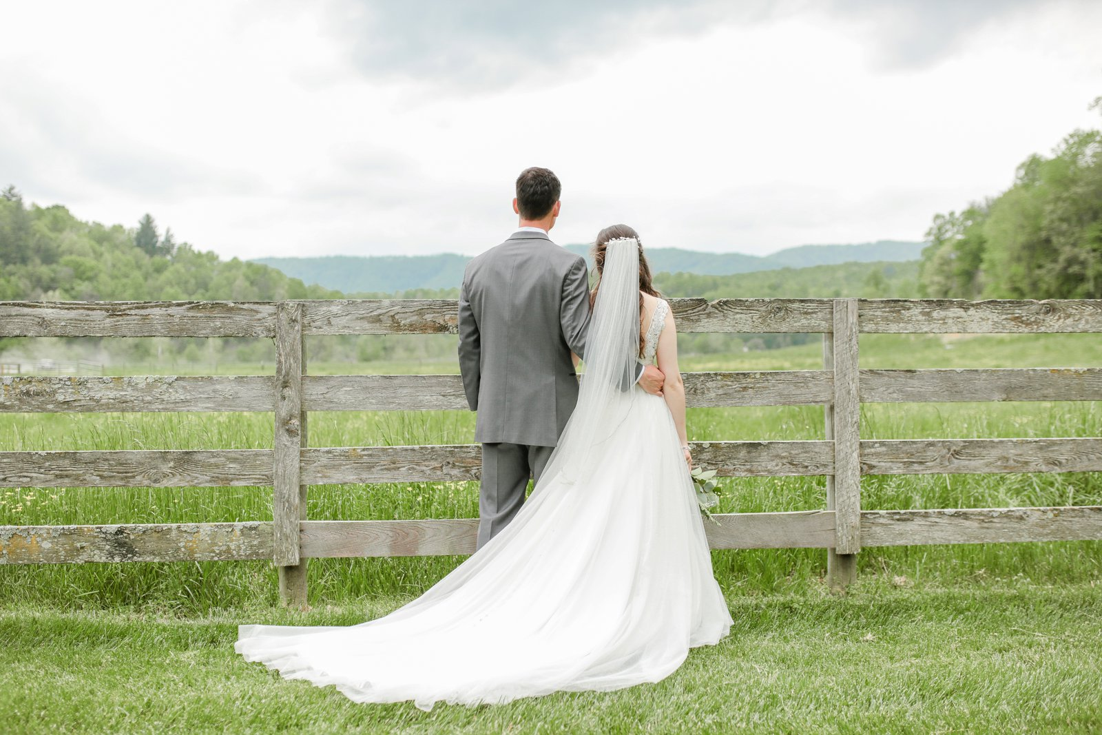 wedding_photographer_Missouri_Destination_elope_intimate_Saint_James_MO_Missouri_KansasCity_Jeff_City_Jefferson_Columbia_Engagement_Photos_Pictures_Session_Best_Videographer_0195.jpg