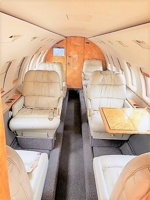 Hawker 1000 Interior 1.jpg