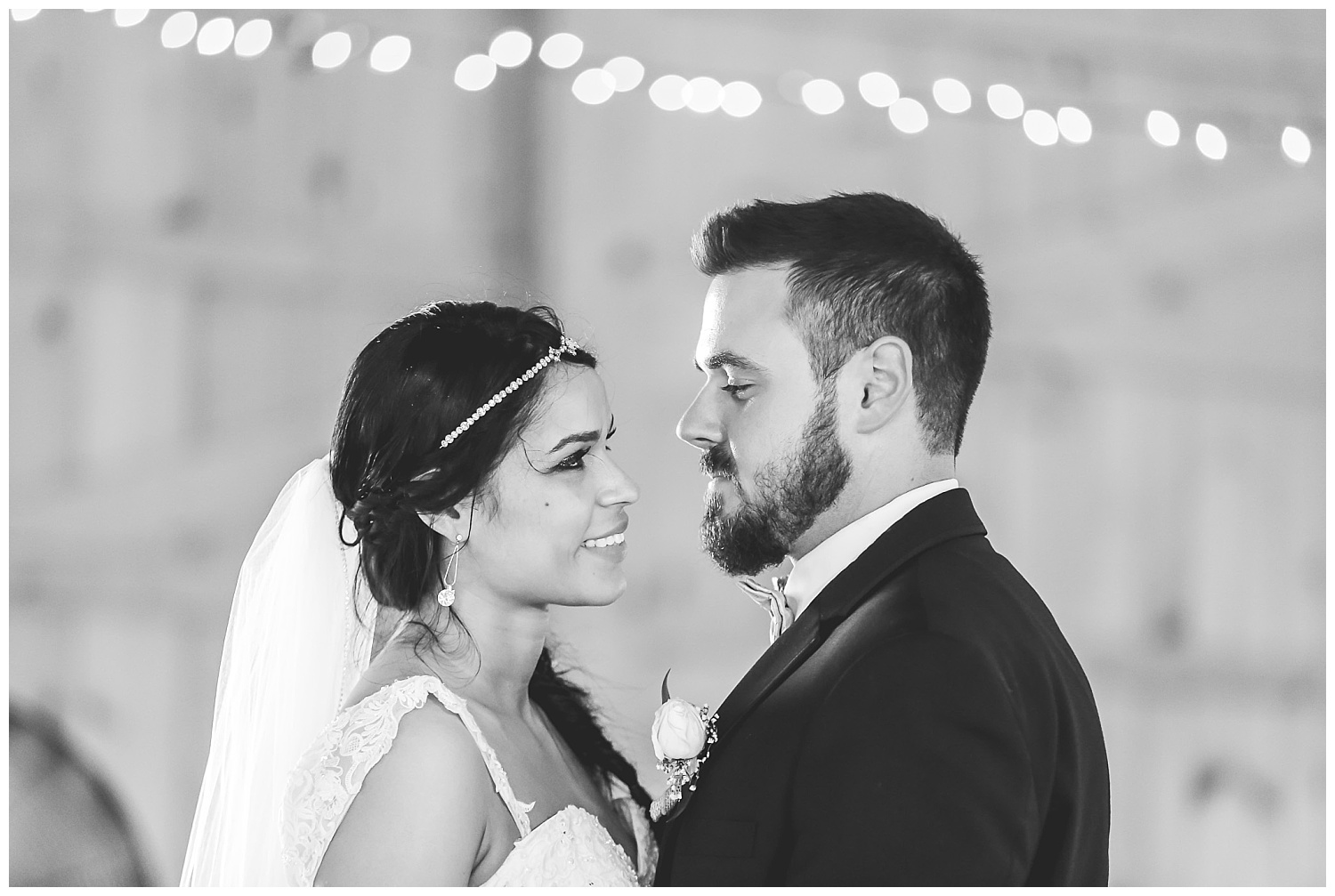 bride and groom first dance (black and white)