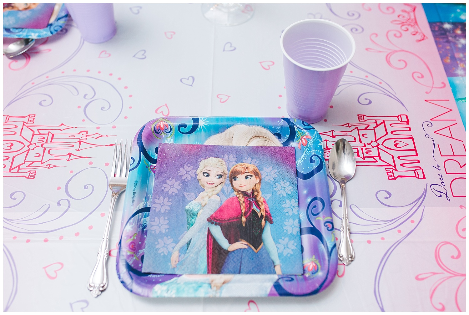 frozen birthday party table plates decorations