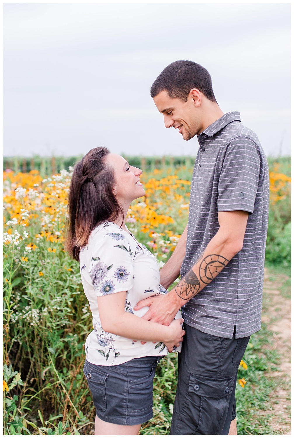 Lititz Wildflower Maternity Session_0002.jpg